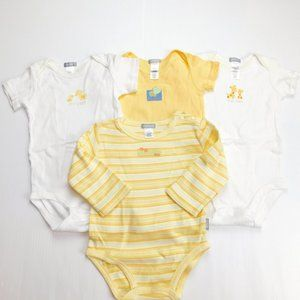 Lot 4 Carter's 9 Months Onesies - New without Tags